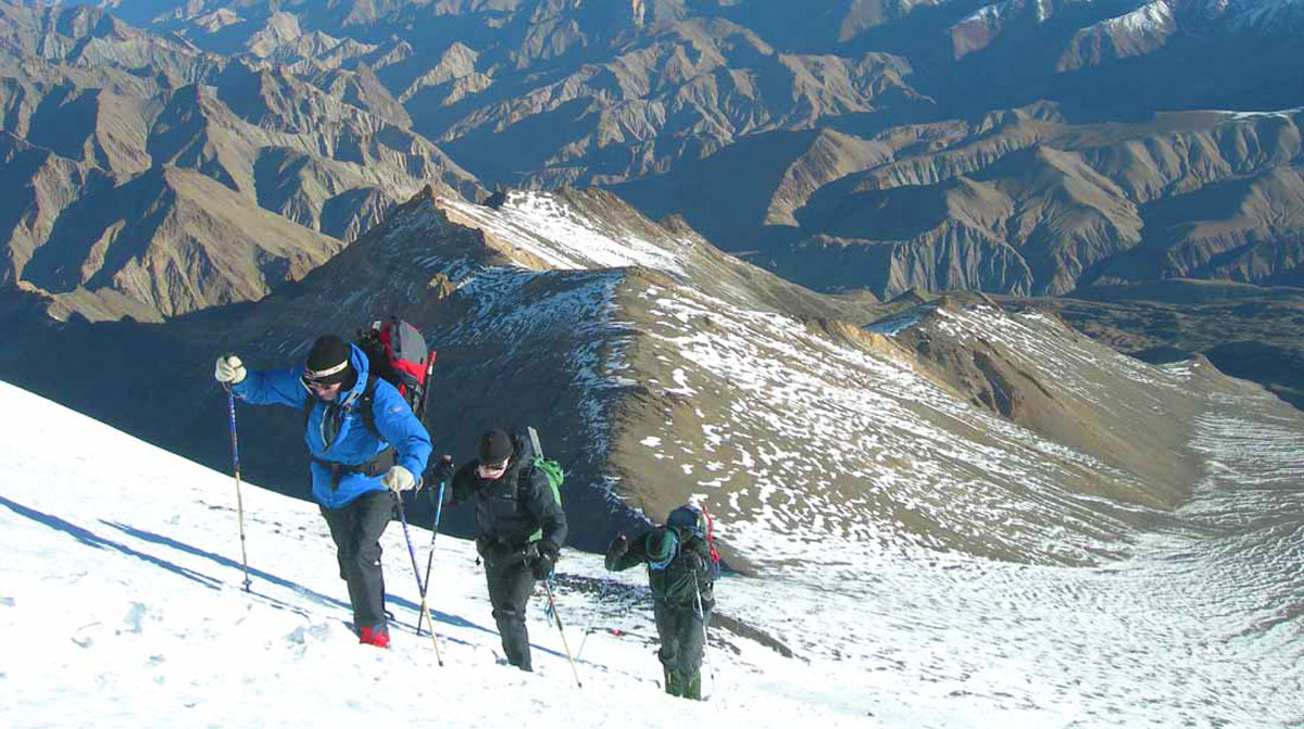 markha valley with stok khangri trekking