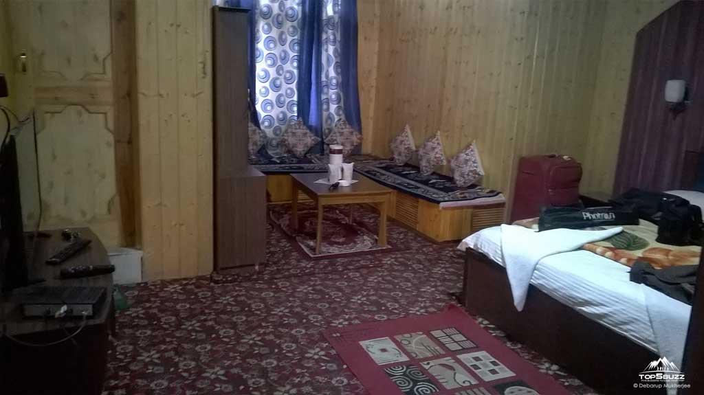 Jan Palace hotel rooms in Kargil