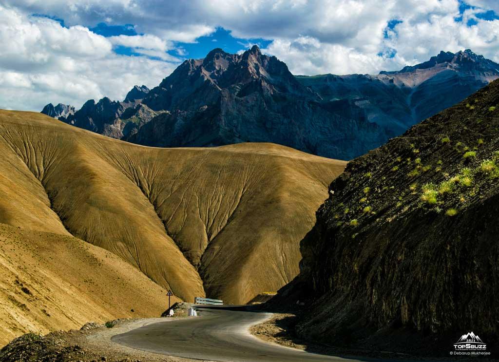 Leh to Srinagar Road