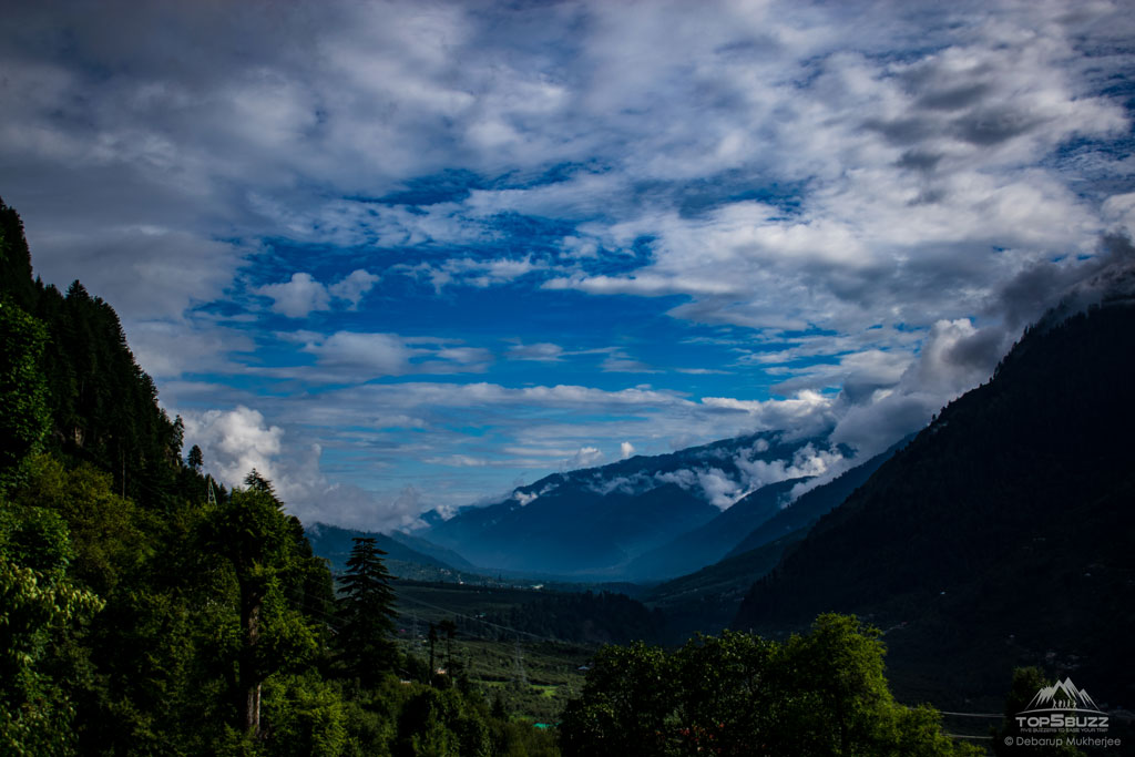 Valley view from Manali Temple