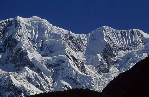 Great barrier wall from Annapurna B.C. (North)