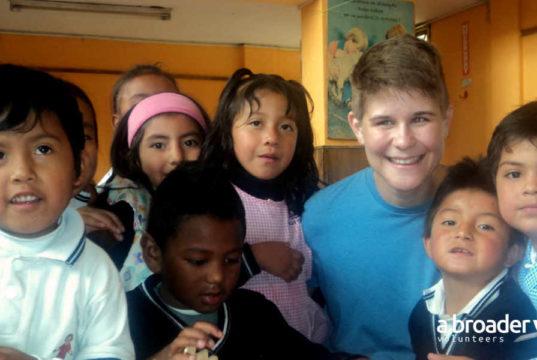 volunteers in ecuador