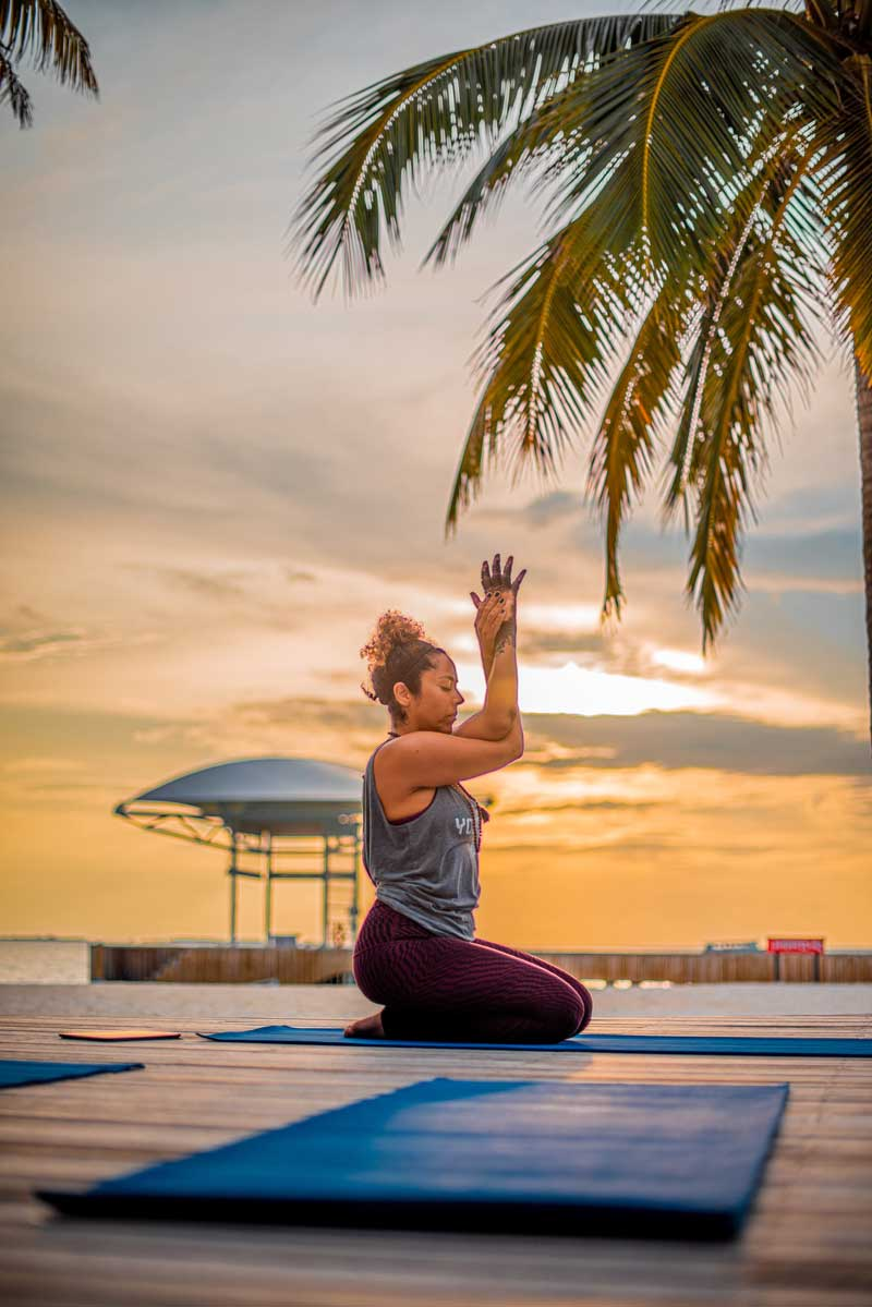 "Yoga ""Width ="" 800 ""Height ="" 1199 ""srcset ="" https://www.topfivebuzz.com/wp-content/ Uploads / 2020/04 / Yoga.jpg 800w, https: / /www.topfivebuzz.com/wp-content/uploads/2020/04/yoga-200x300.jpg 200w, https: //www.topfivebuzz.com/wp-content/uploads/2020/04/yoga-683x1024.jpg 683w , https://www.topfivebuzz.com/wp-content/uploads/2020/04/yoga-768x1151.jpg 768w, https://www.topfivebuzz.com/wp-content/uploads/2020/04/yoga- 280x420.jpg 280w, https://www.topfivebuzz.com/wp-content/uploads/2020/04/yoga -640x959.jpg 640w, https://www.topfivebuzz.com/wp-content/uploads/2020/ 04 / yoga-681x1021.jpg 681w, https://www.topfivebuzz.com/wp-content/uploads/2020 /04/yoga-313x469.jpg 313w ""sizes ="" (maximum width: 800px) 100vw, 800px ""/ > </noscript><strong>  Consider the physical location </strong></h2> <p> <!-- A generated by theme --> </p> <p> <!-- end A --> </p> <p>  This is also an important tip to ensure that you have a satisfactory yoga session. The location of the yoga studio should be appropriately located and from the address away from where you are. This guarantees maximum comfort because the studio is easily accessible and you do not have to travel long distances to get to the studio already tired. </p> <p>  You can also choose the location that is right for your company in the new region. This also saves you additional time because you can switch comfortably between business and yoga and at the same time only come home when all your planned activities have been completed. </p> <p>  Finally, you also need a place with an adequate environment without many interruptions and noise, as this also ensures that you have a great session. </p> <h2><strong>  The Learned Yoga Styles </strong></h2> <p>  Before deciding on the program, you should gather more information to determine exactly what type of yoga is taught and practiced in these centers. This will help you choose the best of the many possible studio options that yoga styles offer that you are familiar with and that you can easily practice for a great yoga session. </p> <h2> <img class="